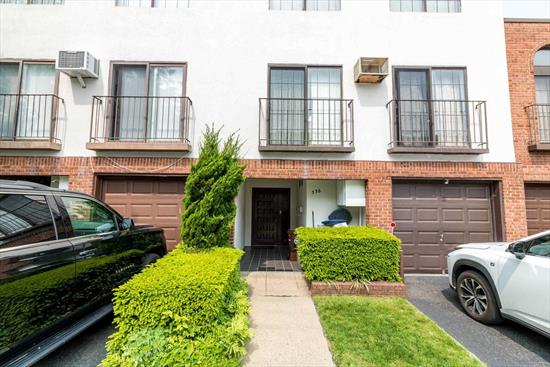 Unique gated community with exceptional amenities, pool, tennis court, gym, club house, 20 minutes to Manhattan. Cozy and spacious Duplex. 2 BR, 2.5 Bath unit with a fenced backyard. 20 x 20 condo feels like a house. All amenities for comfort. Convenient to all highways, shops, restaurants and more!