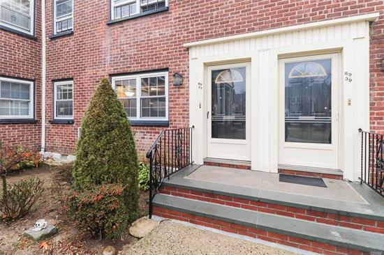 Nice 1 Bedroom Lower Garden Apartment in Hollis Court. Close to Schools, Shopping and Transportation.