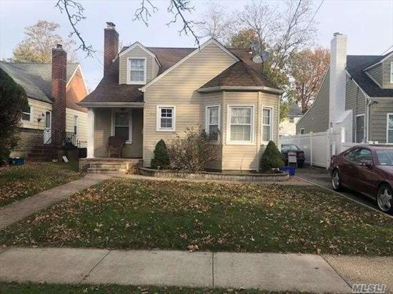 CAPE FEATURES 4 BEDROOMS, 1 FULL BATH, AND BASEMENT! CLOSE TO ALL!