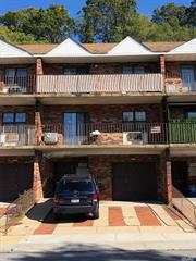 Newly Renovated 1 bedroom with New appliances and a balcony. Close to supermarket, highway and to the Q30, QM5, QM8, QM35 Bus Stops. A Must See!!