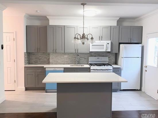 Open floor plan living rm, eat-in kitchen dining area, 1 bath, 3 bedrooms, hardwood floors, lots of closet space and new appliances.