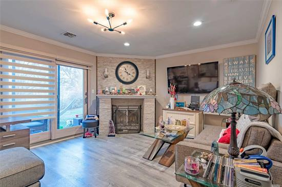 Gorgeous remodeled unit! Move right in! Unit was gutted and redone with all new flooring, plumbing, water pump, electrical system, CAC system, windows, shutters, kitchen, bathroom. Stainless steel appliances, spa like bathroom, huge soaking tub, full size washer/dryer in unit. A must see...will not last!