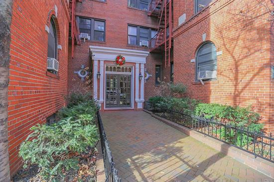 Large studio apartment between 35th and 37th Avenue in Historic Jackson Heights. Stores, markets, restaurants all along 37th Avenue and Roosevelt Avenue. Less than 3 blocks to the 7, E, R & M local and the F express train on 74th Street and Bus lines Q47, Q49, Q32 & Q33 on Roosevelt Avenue. Unit features separate updated kitchen with new appliances and a large walk-in closet. Very quiet unit off the street and towards the back of the building.