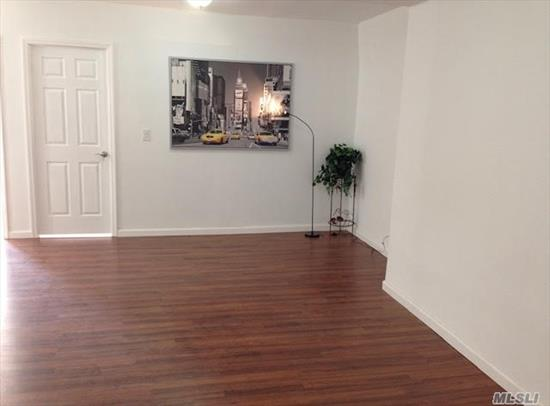 3 Bedroom Apt For Rent, In The Heart Of Flushing, Sanford Avenue Closing To Library, 5 Minutes To Train Station. Hot And Cold Water, Heating, Cooking Gas Are All Included. No Application Fees. Spacious And Bright, Lots Of Closets, Kitchen And Bath Have Windows, Newly Renovated, All New Appliance.