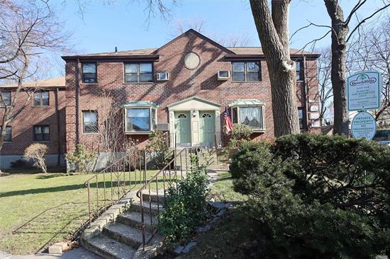 Large End Unit 1 Bedroom, 1 Full Bathroom, Living/Dining Room And Kitchen. Beautiful Hardwood Floors Throughout. All Utilities Included! Sanitation Pick Up Six Days Per Week. Private Security and Landscaping. Low Maintenance. Plenty Of Parking. Close To All.