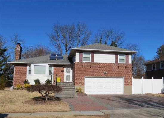 Split Style Whole House, This rental property Features Large Living Rm And Eik, Hardwood Floor Throughout, 3/4 Bed Rooms And 3 Full Bath. Finished basement, 2 Car garage. Awarding Syosset Schools, Gas heat and Cooking, Convenient To Everywhere