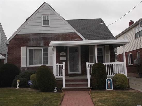 FRANKLIN SQUARE ALL BRICK CAPE PARTIALLY REAR DORMERED IN SD #17. POLK ST ELEM, MID BLOCK LOCATION. LAMINATE FLOORS THROUGH OUT MAIN LEVEL. ENJOY THE CHARMNG FRONT PORCH. GAS HEAT, IN GROUND SPRINKLERS. CONV TO SHOPPING AND TRANSPORTATION. READY FOR NEW OWNERS.
