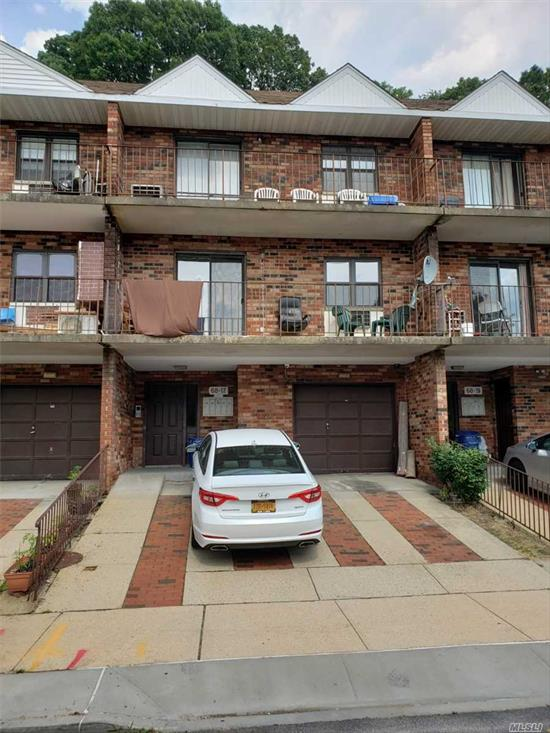 outside reserved parking included. extra storage space in the basement. #26 school. new kitchen for 6 months. 3 QM bus around. quiet and safe ares. close to supermarket. move in condition.