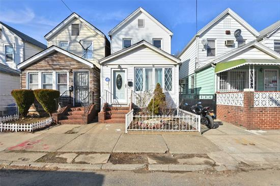 Beautiful home close to all transportation, house of worship, and shopping, JFK Airport