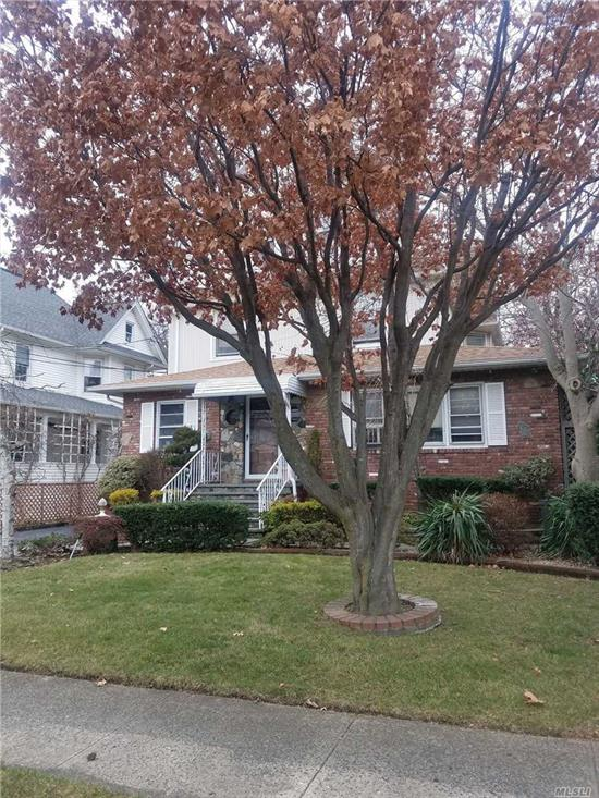 3rd Floor Walkup Apartment W/Lynbrook Schools. Bright Apartment With Eat-In-Kitchen. Living Room. Good Size Master Bedroom and 2nd Bedroom. 1 Car Parking In Driveway. Heat And Water Included. Less Than 10 Minute Walk To Lynbrook Lirr Station. Walking Distance to Dunkin Donuts, Rite Aid, Atlantic Ave Shops + Restaurants. Memorial Park Only 3 Min Drive.