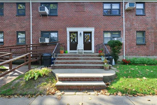 Recently renovated first floor unit in Clearview Gardens, Lots of storage and closet space. Convenient to shopping and transportation. (Express bus to Manhattan). Won't last!