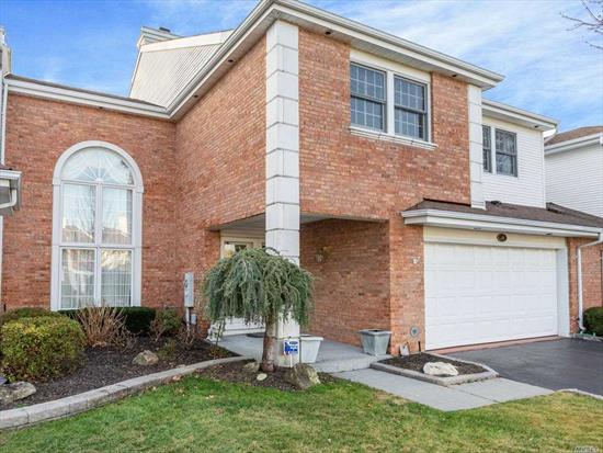 Amazing Diamond home w/new $100, 000 granite shaker kitchen, Thermador appliances, porcelain flrs, Chair rails, moldings, wainscotting, solid wood drs, ceiling fans, magnificent marble/fplce, onyx&granite pwdr rm, Fam rm/wet sink/bar, mahogany TV unit&library, Huge mstr suite/vaulted ceil sitting rm/gas fplce/TV in custom white cabinet, Marble bth/jacuzzi, new shower dr, Brk paver stone patio(35x28), barbeque, gorgeous view of 18th fairway&pond , awning, 2 new skylights, new gutters&new attic fan, new roof.Must see!