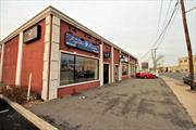 High visibility location with ample parking. Ideal for professional business or retail /commercial operation. Recently Renovated Stucco Building. Recent DOT survey traffic analysis indicates 53, 000 vehicles a day pass this location. On-site 10 plus parking spaces.