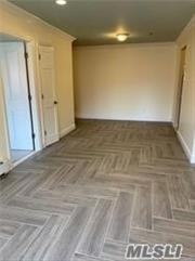 Renovated 2 bedrooms , 2 full baths, new floors, updated kitchen. Close to transportation .