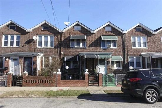 This Exquisite Brick Home Is was recently Renovated With New Electrical, Plumbing, New Baths, New Kitchens With Granite, New stainless steel appliances, Full Finished Basement, New Sidings, new Windows. community Driveway etc. Close to all Amenities