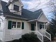 Immaculate Luxury Rental On Nissequogue River. Fine Millwork Throughout, Gleaming Hard Wood Floors, Built In's In Formal Living Room, Nicely Appointed Kitchen and Baths. Sit on Your Deck and Relax As You Overlook Your Private & Picturesque Verdant Lawn and Gaze at the River.