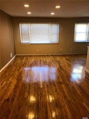 Huge 3 Bedroom, 2 Bathroom, Eik with Dish Washer, L-shaped Living/Dining Room, Stackable Washer & Dryer, Separate Utilities, Street Parking, Hardwood floors