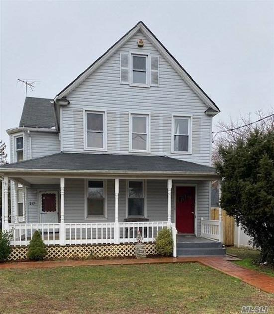 1st Floor Charming Update 1 Bedroom Rental in a House. Large Updated Eat-in Kitchen with Granite, Beautiful Living Room, 1 Full Bathroom, Lots of Closets, Two Parking Spaces, Washer/Dryer, Close to All.