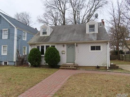 Come See This Adorable Cape In The Beautiful Rockville Centre Before It's Gone! Featuring An Eat In Kitchen, Plenty Of Living Space, A Nice Sized Yard, And A Full Basement For Storage! Just Minutes From South Pond, Tanglewood Preserve, And All Your Shopping And Dining Needs! Don't Miss Out On This One!