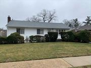 Valley Stream - Just in! 7 Room Ranch, 3 Bedroom, Formal Dining Room, Living Room with Cathedral Ceiling, added Den! Finished Basement, Central Air, Oversized Garage. New Roof, New Heating System, Living Room A/C wall unit not working. Only asking $520's