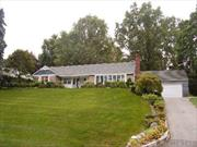 Lovely Ranch On Spectacular 1/2+ Acre Setting W/Fish Pond. Pool, Tennis, Dock At Village Park. Walk To Worship, Town, R R.