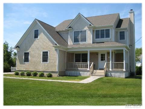 Pristine 4 Bedroom Farmhouse In Stirling Eastern Shores, Just Steps From L.I.Sound. Formal Dining Rm, Great Rm W/Fp, E I K, Laundry Rm, 1/2 Ba. Second Fl Master Ensuite Plus 3 Bdrms W/Office/Landing. Additional Front Attic Can Be Converted To Living Space. Full Bsmt W/Ose & 9 Ft Ceilings. Cac, 2 Car Garage On .37 Acres. Move In Ready.