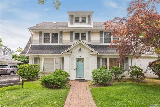 Classic center hall colonial on quiet cul-de-sac in the heart of Front Lawrence. 5 bedrooms on 1 level, 5.5 baths, full finished basement, gorgeous kosher eik, 4 levels, all systems, must see- priced to sell!