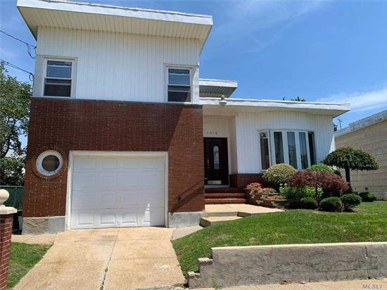 3 bed 2.5 bath spacious move in ready colonial with a finished basement and a nice yard . home has many recent updates ! low taxes and close to shopping and transportation