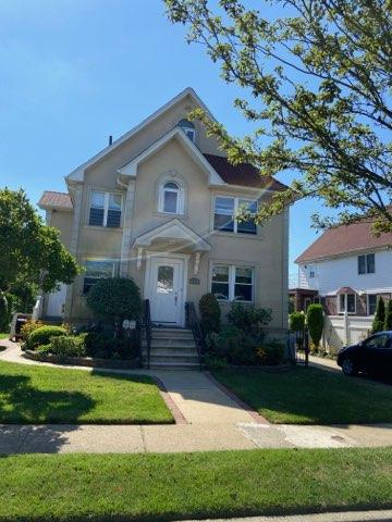 Beautifully Renovated 3 Bedroom Duplex in Bayside. Features Living Room/Dining Room Combo, Open Concept Kitchen and 2 Full Bathrooms. Hardwood Flooring Throughout with Washer and Dryer. Gas and Hot Water Included. Convenient to Transportation and Shops.
