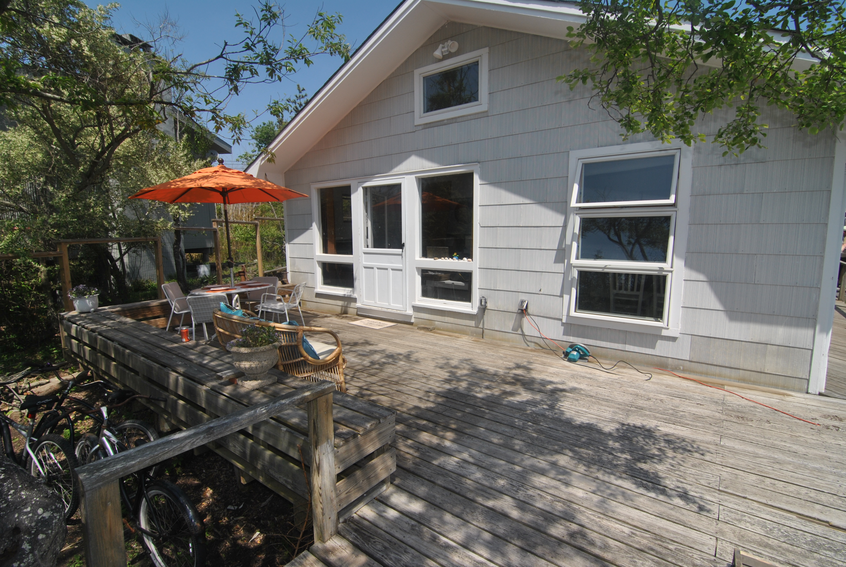 Brand new kitchen with new stainless steel appliances and subzero refrigerator. Large Deck. Brand new BBQ, WIFI, Direct TV, Bikes, beach toys, board games, and AC in both bedrooms. This 2 bedroom, 1 bath home sleeps 5 and is available for 2019 weekly rentals.