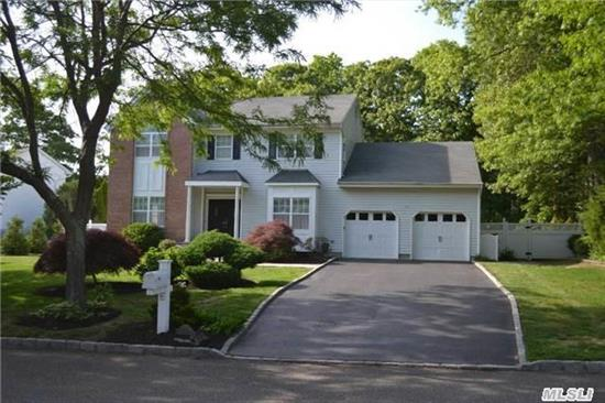 Classic Center Hall Colonial W/Hardwood Floors, Eik, Den, 1st Floor Laundry, 5th Br Or Maid's Quarters Or Office, Mbr Suite, 3 Generously Sized Add'l Br's, Full Finished Basement. Nice Yard With Room For A Pool! Kings Park Address, Smithtown West. Taxes Are Greivable Per Mark Lewis. Home Currently Assessed At 682K. Don't Miss This Home!