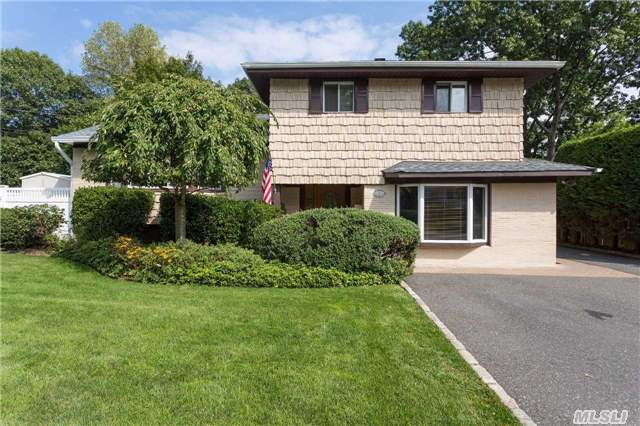 A Diamond 3/4 Bedroom Split On A Cul-De-Sac With A Professional Office Attached, Featuring A Living Room, Formal Dining Room, Family Room With Gas Fireplace, Granite Kitchen, 2 Full Updated Baths, Playroom, Laundry Room, Plenty Of Closets, Private Back Yard For Entertaining And Alarmed, A Must See. Welcome Home!