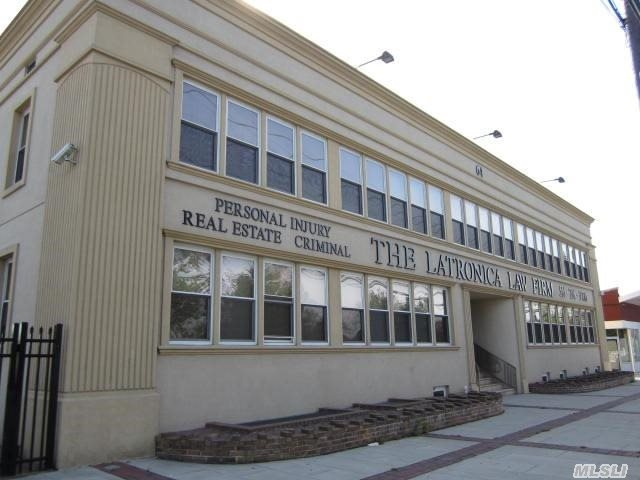 Renovated 3 Level Class A Building. Bathroom On Every Fl. Unlimited Parking!!. Courtyard, Price Range Per Sq' Varies On Size & Location. 250' To 1500' Divisible. All Utilities Included.