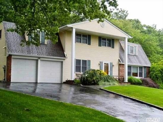 Gorgeous Dual Staircase Colonial On .46 Acres Features New Washer, Dryer, & Roof! Great Room W/ Fireplace, Large Formal Dining Room, Large Master Bedroom W/ Full Bath & Large Closets. 4 Additional Bedrooms. Nice Deck & Great Back Yard! Located On Quiet Street - Will Not Last!!