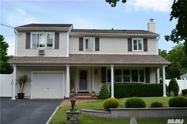Stunning And Meticulous Colonial W/ Additional Living Areas In The Renowned Commack Schools. Entertainer's Dream Country Club-Like Backyard W/ Salt Water Ig Pool, & Dressing Cabana. Many Features Incl. Andersen Windows, Hi Hats, Skylight, Fireplace, Hardwood Floors, Igs, New Saltwater Pump, Double Wide Driveway, Electric Open For Garage, Spacious Bsmt, & 3 Sheds. A True Beauty!!