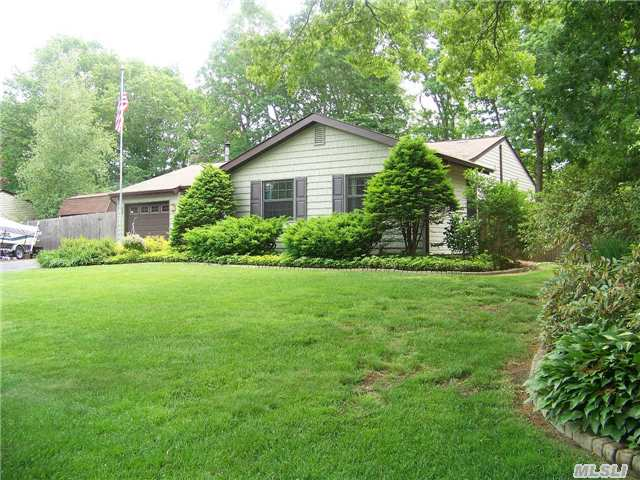 Well Maintained 3 Bdrm Ranch Featuring Eik, Ss Appl's, 2 Full Baths, And 14' X 15' All Season Sunroom - Just Move In!