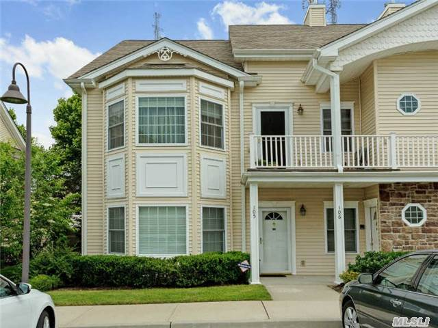 Plainview The Seasons - Perfectly Located Mint Corner Condo On Ground Level. 2Br/2Bath In 55 Plus Condo Community. Large Rooms Filled With Natural Light. Master Br W/Walk In Closet And Full Bath. Sliders To Patio. Gas Heat/Cooking. Full Basement. Plenty Of Storage. Washer/Dryer. Clubhouse W/Gym, Card/Party Room, Pool, Playground. Convenient To All. Do Not Miss!