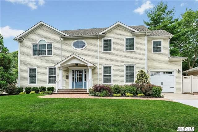 Custom '07 Ch Colonial, Nassau Shores, Open Floorplan, Eik, Granite/All Sstl Viking Apps, Double Oven, 6-Burner Stove, Wine Fridge, Center Island, Liv Rm, Gas Fireplace, Frml Din Rm, 9 Ft Ceilings, Hw Flrs, Tiled Foyer & 3 Bths W/Radiant Heat, Crown Molding, Hand Inlay Woodwork, Marvin Windows, Cac/Igs/Cvac/Alarm, Fin Bsmnt W/Den, Mstr En Ste W/Wic, No Flood Insur Required & No Sandy Damage!