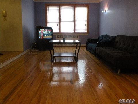 12 x 20 Living Room with Beautiful City View and hardwood floors!!