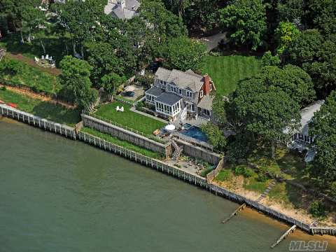 Rare Opportunity In Waterfront Private Community. Sophisticated Home With 150' On The Bay Offers Breathtaking Sunsets And Sunrises. 5 Bdrm, 4.5 Ba W/Guest Wing & True Chef's Kitchen. Elegant Outdoor Entertainment Areas, Incl. Gunite Pool And Spa. Private Protected Docks One Minute From Your Front Door, Private Mooring And Access To Two Pristine Beaches. Must See!