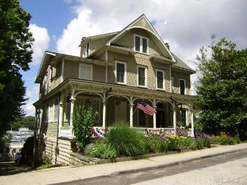 1870 Waterfront Victorian,3 Flrs Of Living Space,A Legal Apt Above Ground In Basement And A Guest Cottage.Stunningly Renovated, True To Era.Boater Paradise W/Bulkhead And Local Mooring Rights.Short Stroll To Beautiful Downtown Npt.Has Driveway,Garage And Low Taxes.