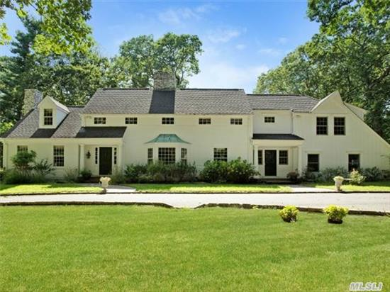 Beautifully Updated Colonial. Super-Sized Chef's Kitchen, Gracious Formal Living & Dining Rms,  6 Fireplaces. Master Suite W Sumptuous Bath & 2 Wics., Library, Office, Front & Back Stairs,  Gorgeous Property. Every Amenity One Could Want. Fort Hill Beach Assoc.(Dues $1067)
