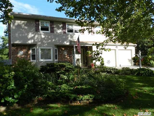 Very Spacious Colonial On A 1/2 Acre In A Cul-De-Sac * Beautiful Hard Wood Flooring Throughout * Silestone Kitchen * Huge Den W/ Brick Fireplace * Master Suite W/ Full Bath & Walk In Closet * All Bedrooms Are Large * Custom In Ground Pool * Big Back Yard