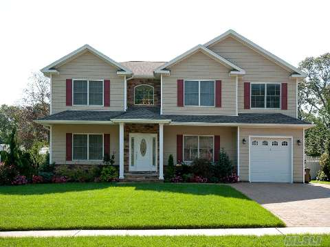 Beautiful 2 Yr Young 5 Br, 3 Bth Center Hall Col W/9' Ceilings. Formal Lr, Formal Dr, Eik Leads To Great Room With Fireplace.Full Finished Basement. Professionally Landscaped 1/4 Acre Back Yard With Built In Gas Bbq,Entertaining Area,Outside Refrigerator& Sink And Salt Water Pool.
