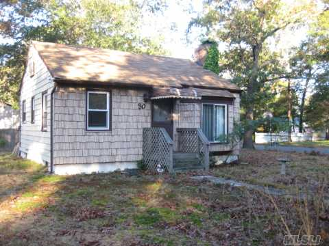 Home In Need Of Repair. Cash Or 203K Loan Only.